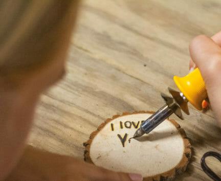 "Camper wood engraving ""I love you"""