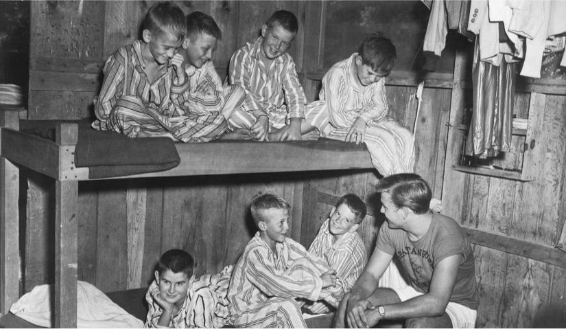 Old photo of boys in bunk